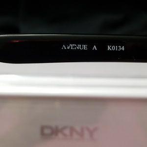 DKNY Accessories - DKNY Avenue Sunglasses
